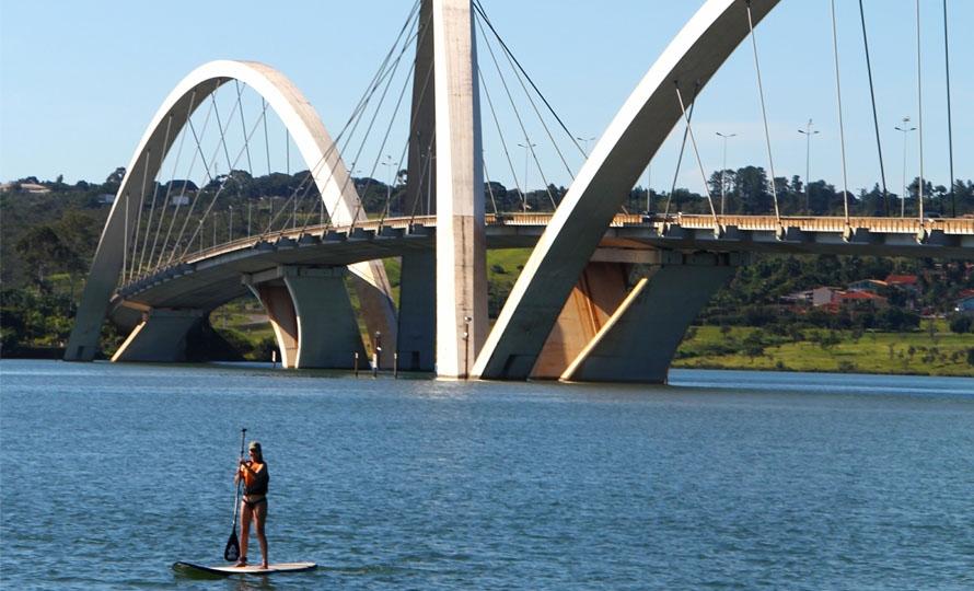 39856b8fe Onde praticar Stand UP Paddle - SUP em Brasília. É possível praticar todos  os dias