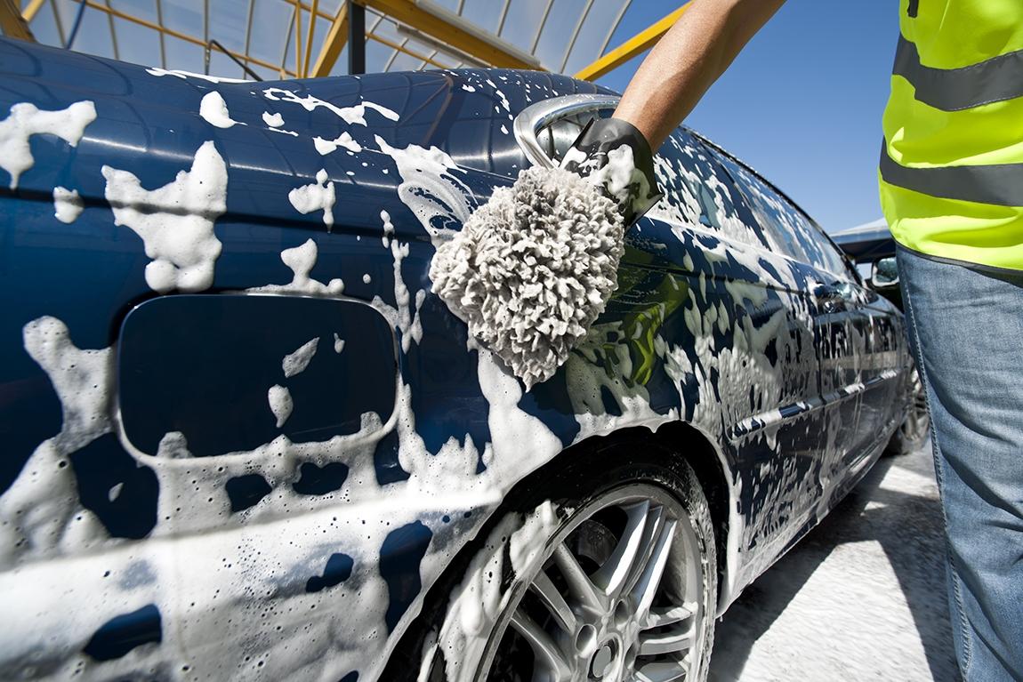 Aplicativo de lavagem de carro chega a bras lia com 10 mil - Professional car interior cleaning ...
