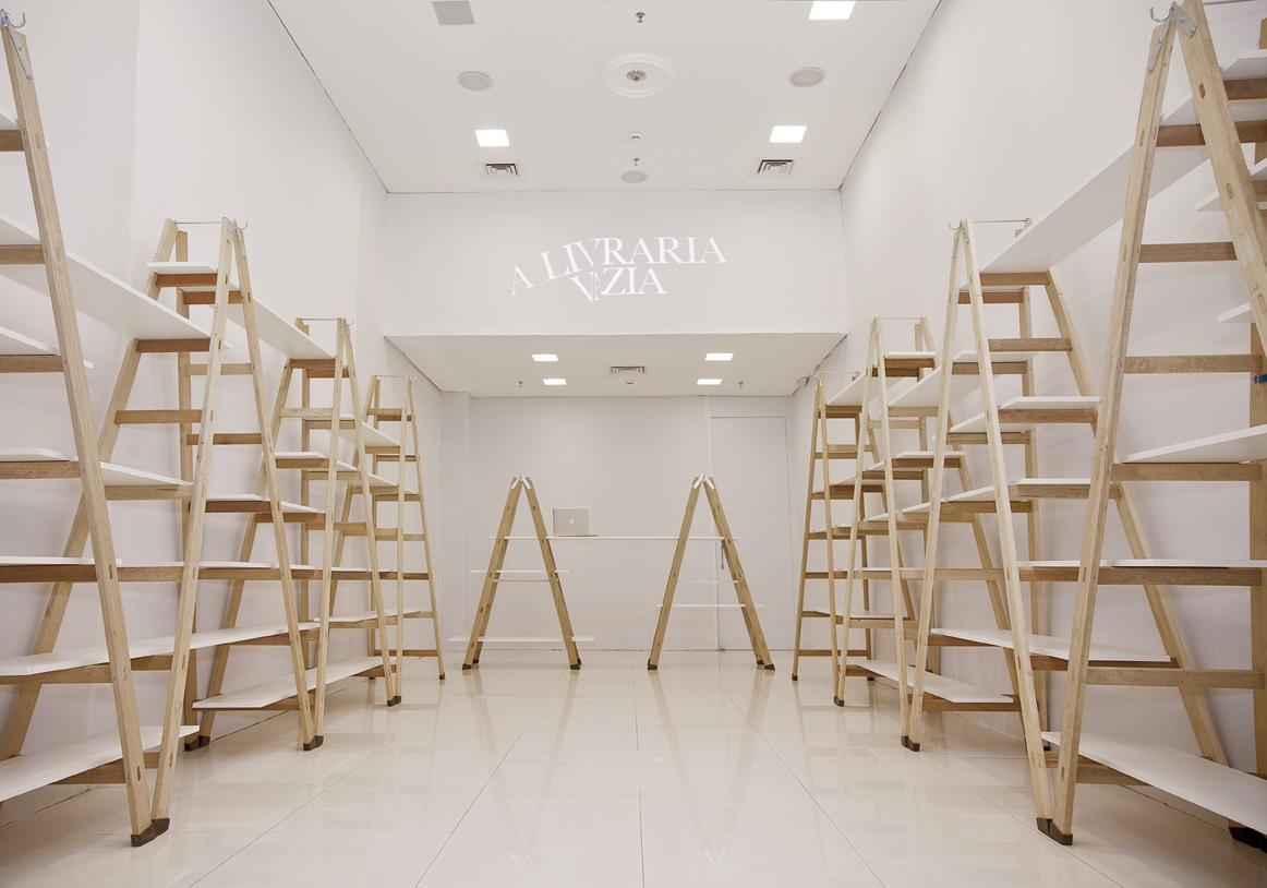 Shopping de Goiânia promove 'Livraria Vazia' para