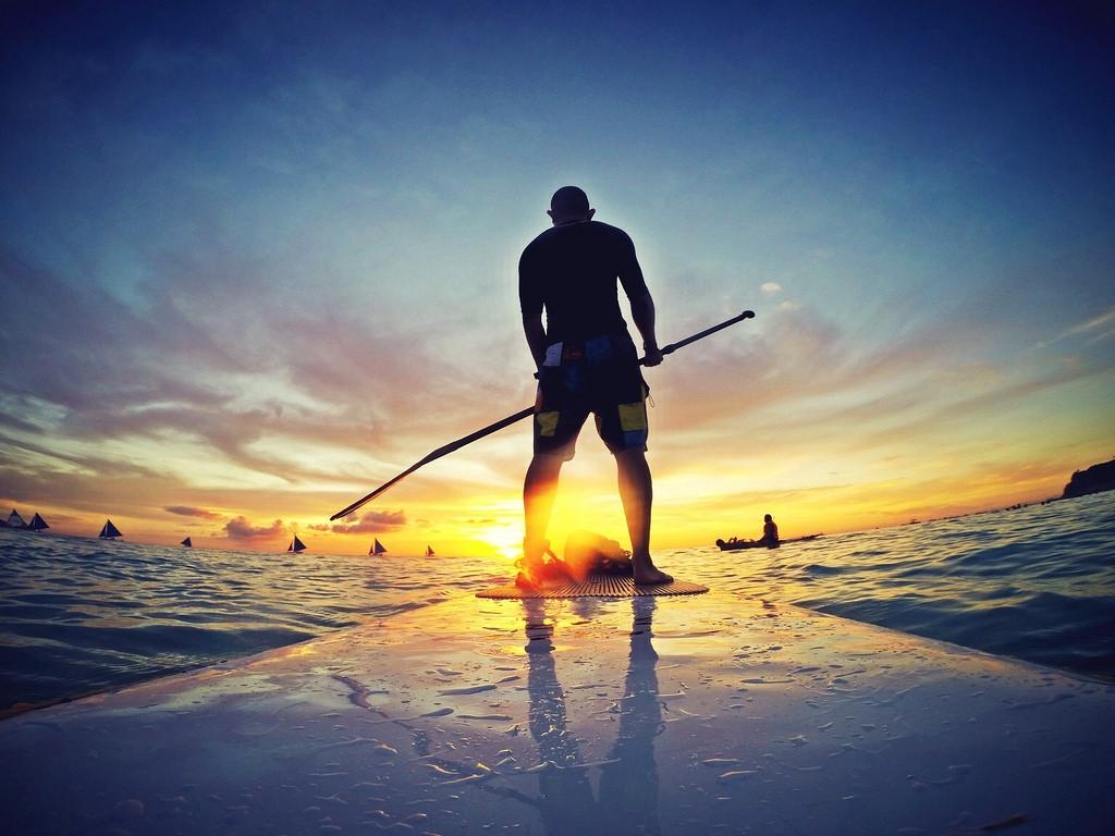 2b13a9862 3 lugares para praticar Stand Up Paddle em Brasília. Mais conhecido como SUP  esporte aquático é sensação no lago Paranoá