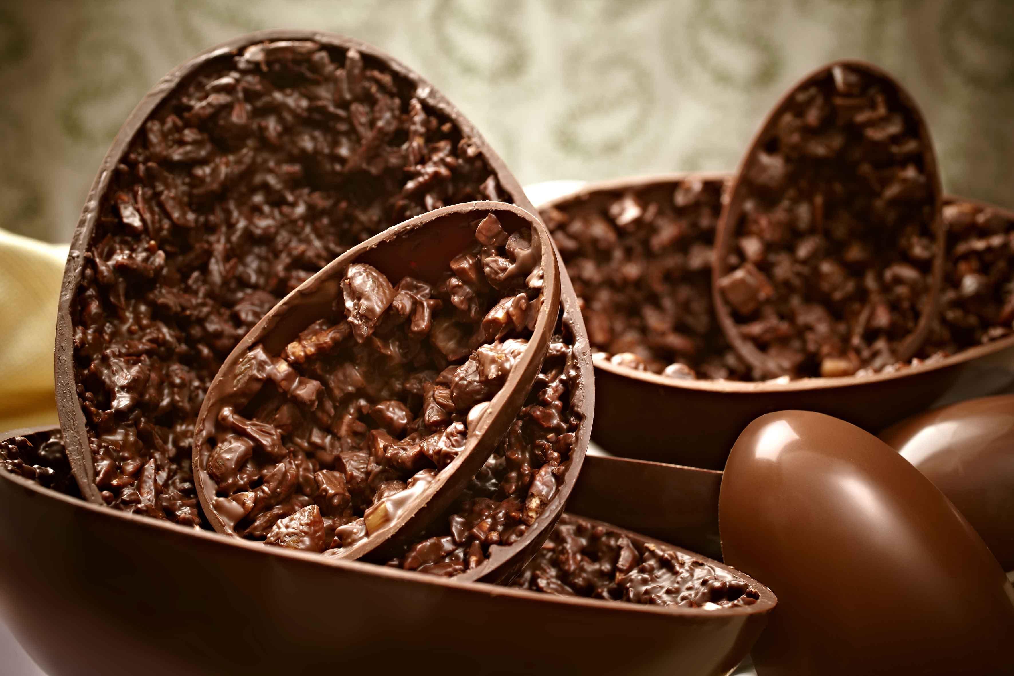 Resultado de imagem para ovo de chocolate