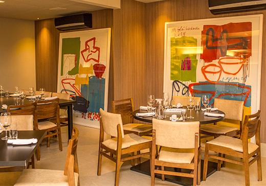Os 20 restaurantes mais bonitos de goi nia goi nia for Modelos de bares rusticos para casas