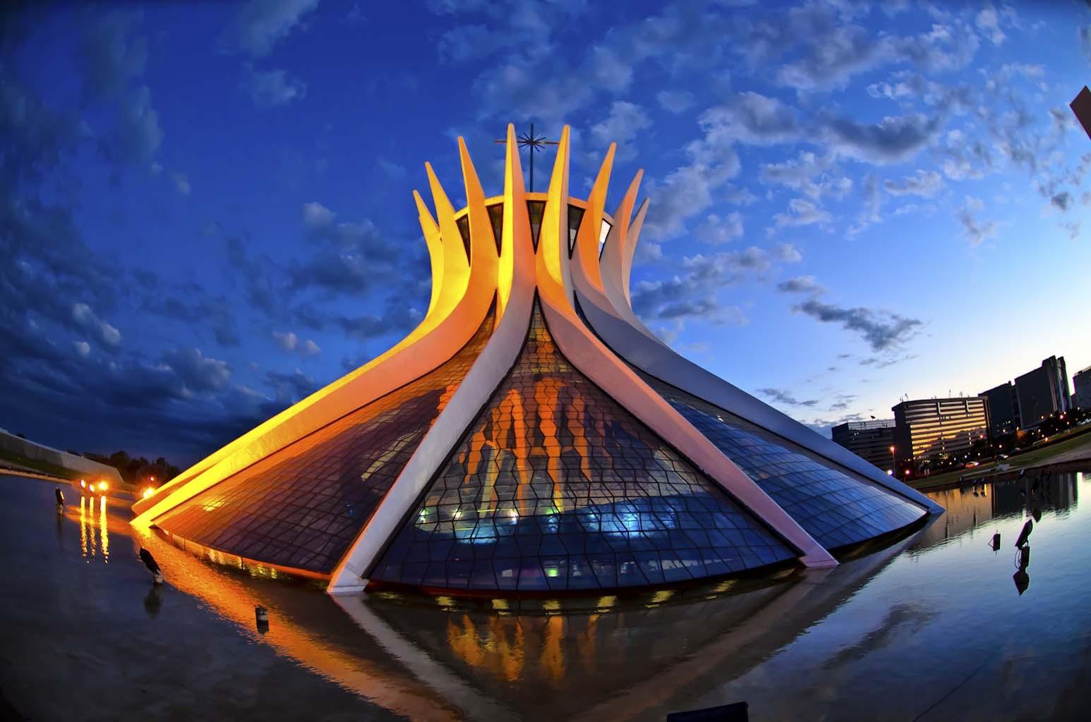 Resultado de imagem para catedral metropolitana brasilia