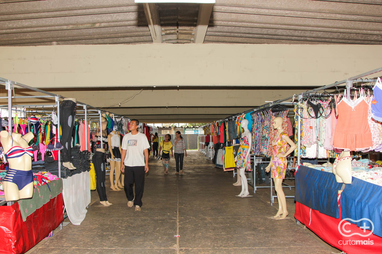 Artesanato Junino ~ Nova feira especial de Goi u00e2nia, Hippie Fashion tem roupas, calçados e acessórios baratinhos