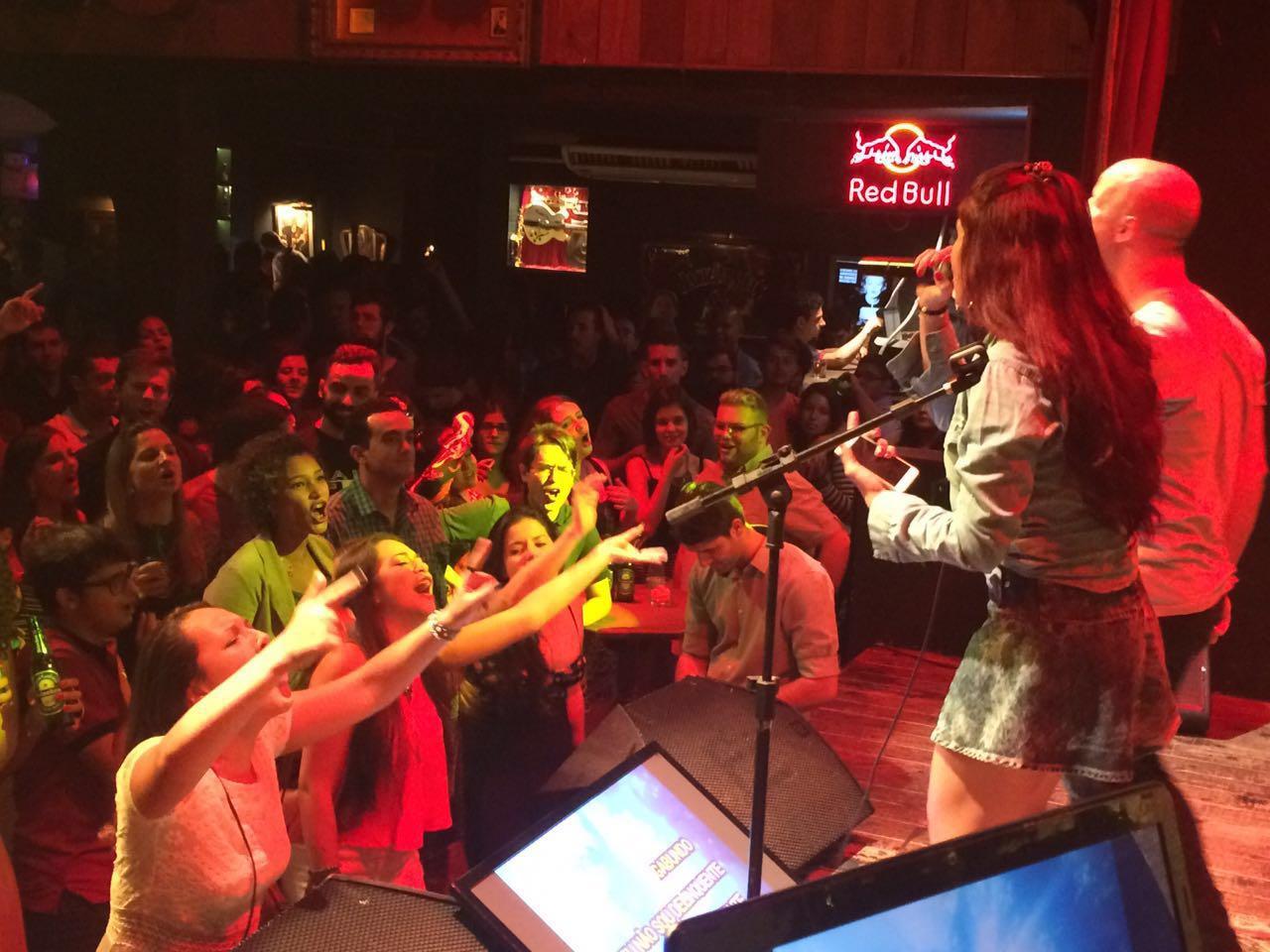 quarta-feira-karaoke-no-bolshoi