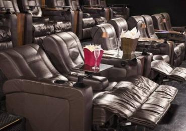 Goiânia terá primeiro cinema premium com garçom e poltrona reclinável