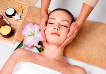 Centro de estética oferece massagem em programação especial para as mulheres em Goiânia