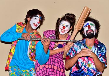 Circo Bambulengo apresenta de graça espetáculo sobre o boi da cara preta