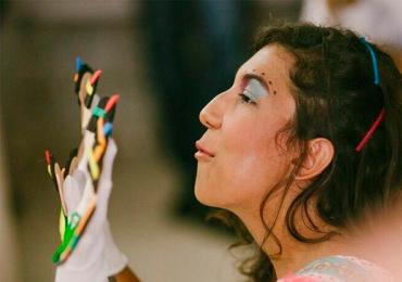 Gelb Zirkus promove tarde de brincadeiras e diversão para a criançada