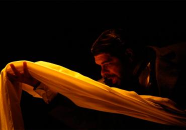 Obras de Kafka inspiram espetáculo gratuito em Goiânia