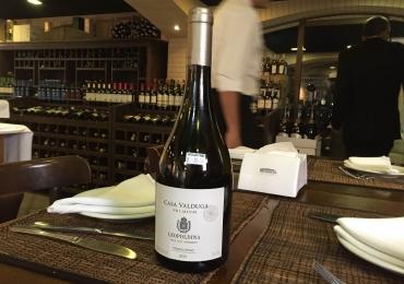 Pesquisamos (e achamos) vinhos bons e baratos em restaurantes em Goiânia