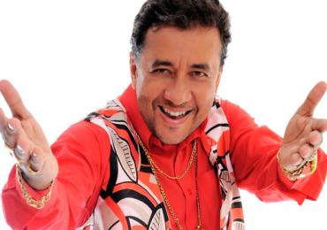Paulinho Gogó, humorista de A Praça é Nossa, apresenta comédia em Goiânia