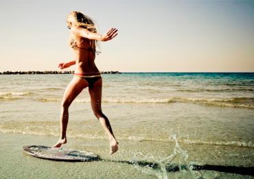 10 praias ao redor do mundo perfeitas para homens solteiros