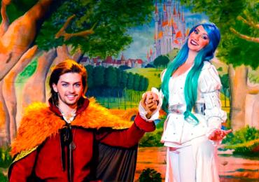 Príncipes e princesas sobem ao palco em espetáculo infantil em Goiânia
