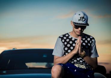 Rapper brasiliense Hungria faz show em balada de Goiânia