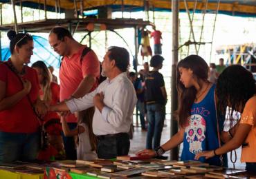 Goiânia tem feirinha de troca de livros e discos com participação gratuita