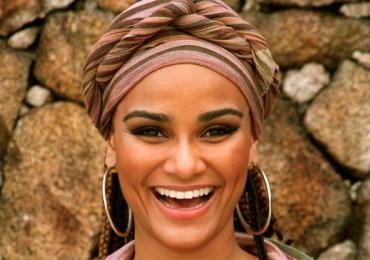 Luciana Mello faz apresentação gratuita em Goiânia