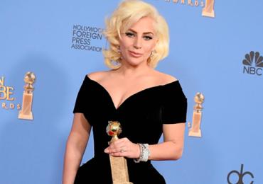 Lady Gaga fará homenagem a David Bowie no Grammy 2016