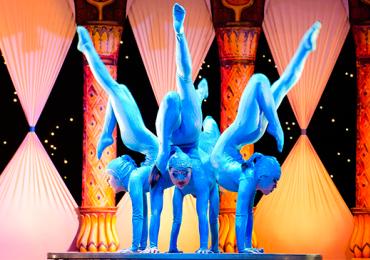 Público e artistas circenses se encontram em festival de malabares e circo