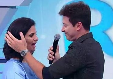 Dra Cristina Lopes emociona o público no programa Hora do Faro. Assista: