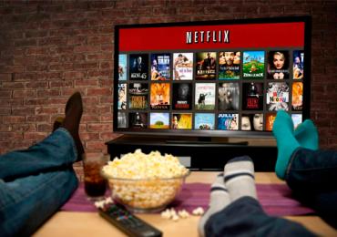 Netflix recruta brasileiro para trabalhar de casa assistindo filmes e séries