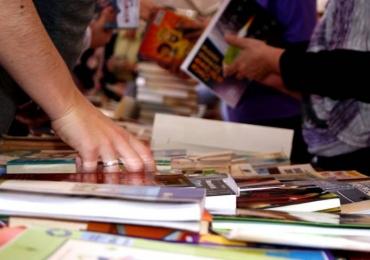 Circo Laheto recebe feirinha de troca de livros e discos