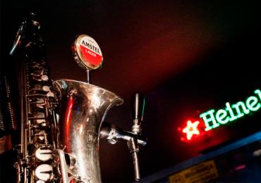 Bolshoi Pub tem happy hour de terça a domingo com dobradinha de chope e entrada gratuita