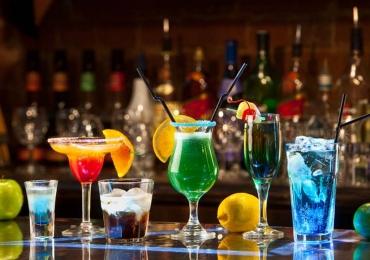 3 drinks rápidos, práticos e deliciosos pra receber o fim de semana