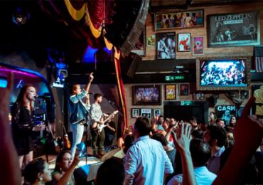 Tradicional pub de Goiânia faz noite de tributo a Genesis e Supertramp
