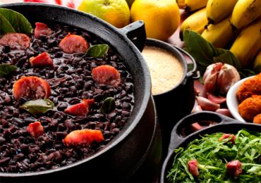 Jaó Pesca Bar e Restaurante faz sábado de feijoada e roda de samba em Goiânia