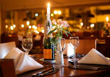 Hotel em Goiânia promove jantar romântico à luz de velas