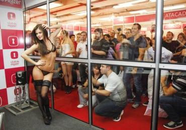 Erótika Fair 2016 terá shows picantes, palestras e novidades do mercado do sexo na maior feira erótica da América Latina