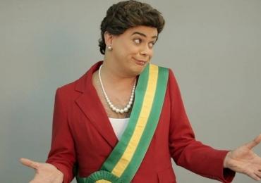 Carioca, do Pânico da Band, vive Dilma Ducheff em Goiânia