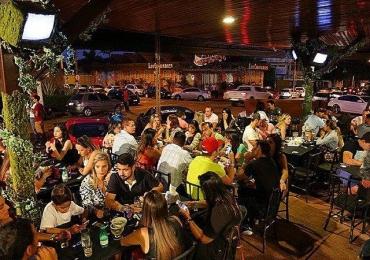 12 bares para você assistir Aldo vs Mcgregor em Goiânia