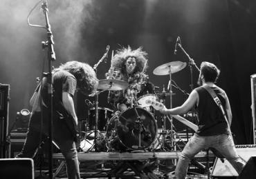 Overfuzz e Dry fazem noite de rock no Complexo em Goiânia