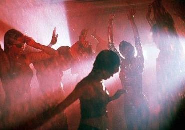 Polêmica balada na Europa vai jogar sangue de verdade nas pessoas no Dia das Bruxas