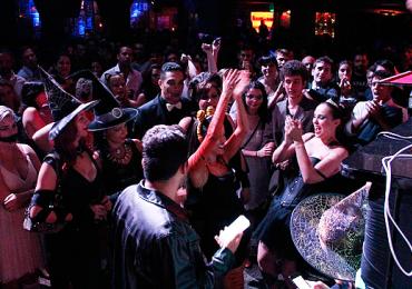 Balada de Goiânia premia as melhores fantasias em festa de Halloween