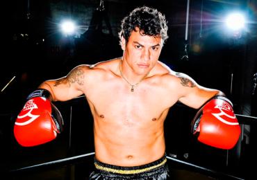 Tetracampeão mundial Popó dá aula gratuita de boxe em Goiânia
