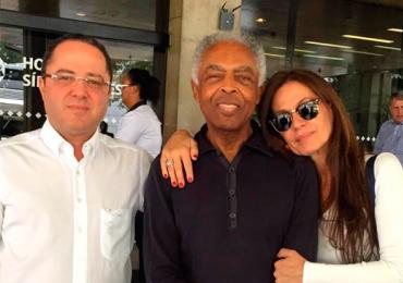 Gilberto Gil recebe alta do hospital e agradece o carinho do público