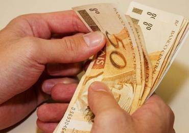Salário mínimo terá aumento em janeiro de 2016