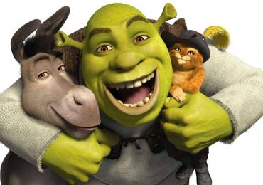 Shrek no palco do Teatro Goiânia