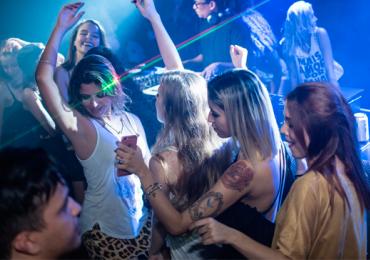 Balada de Goiânia tem noite de pop e rock com entrada grátis para as mulheres