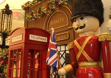 Clima de Natal chega à capital e traz pedacinho de Londres para Goiânia