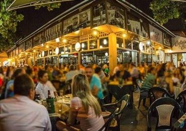 Bares e restaurantes para comemorar o fim do horário de verão