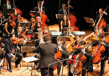 Orquestra e Coro Sinfônico Jovem apresentam Mozart e Verdi em Noite de Gala