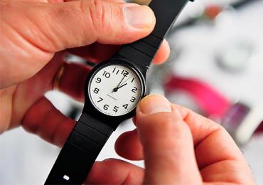 Ajustem os relógios: horário de verão começa este fim de semana