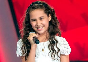 Goiana Ana Beatriz Torres canta ao vivo na semifinal do The Voice Kids neste domingo
