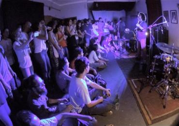 Complexo Estúdio & Pub tem noite de jazz com dobradinha de chope Colombina