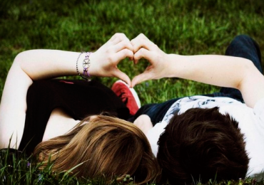 Essas 36 perguntas podem fazer duas pessoas se apaixonarem