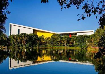 PUC Goiânia inaugura maior teatro de Goiás